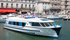 Kanalbåtar kryssningsbåtar