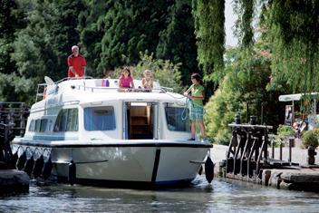 Kör-själv båtsemester