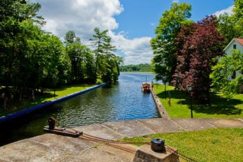 Husbåtssemester i Kanada på Rideau canal